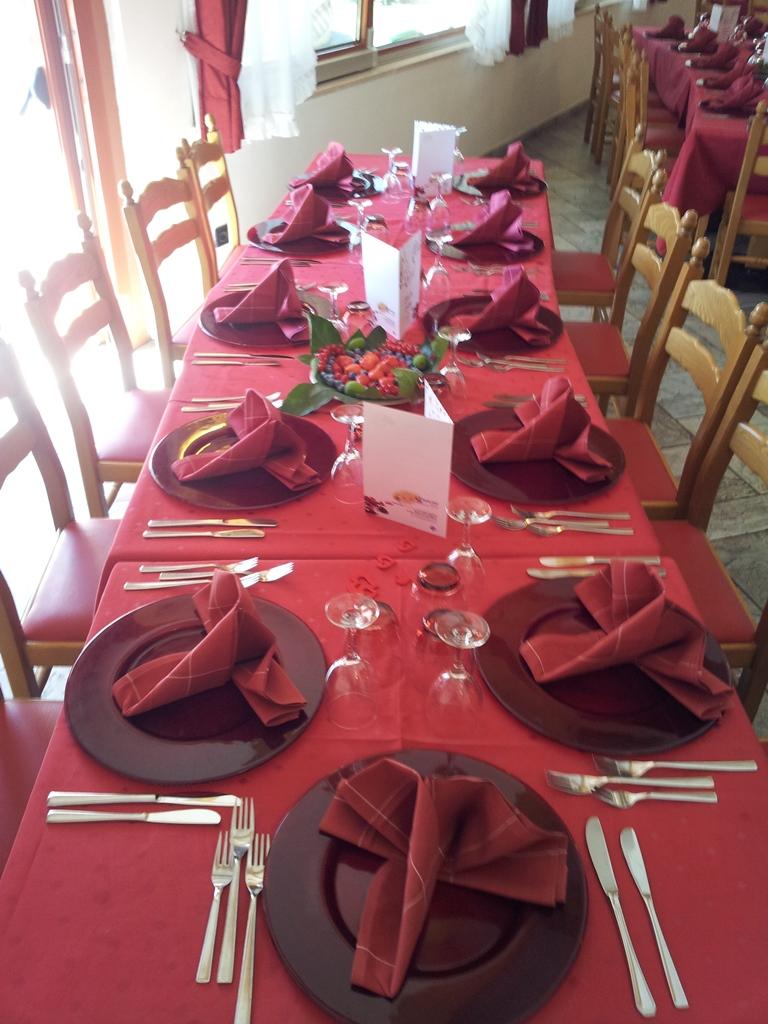 tavola pronta per pranzo - Family Hotel Primavera - Trentino